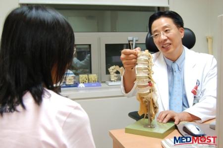 Бесплатные консультации Корейских специалистов для посетителей выставки.