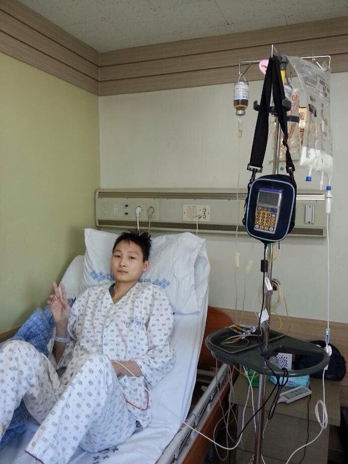Первый день Владимира Тен в палате после операции